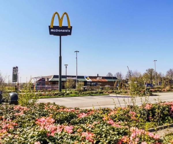 Geen hogere reclamemast voor McDonald's Joure
