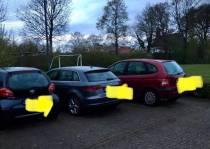 Drie auto's bekrast in De Knipe