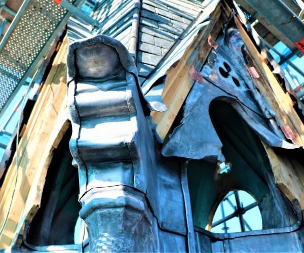 Restauratie vieringtoren RK Kerk Sneek bijna voltooid