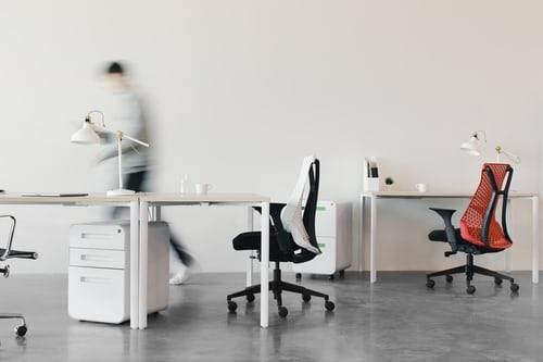Drie tekenen dat het tijd is voor een nieuwe bureaustoel