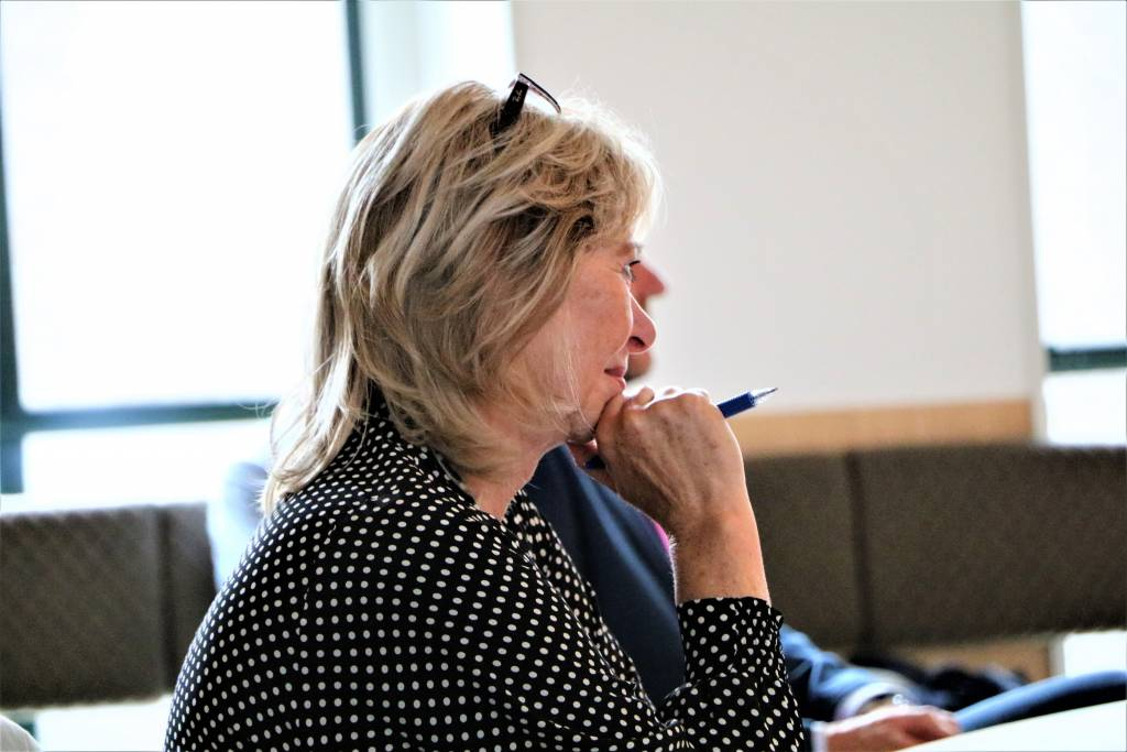 Griet van der Veen van de gemeente SWF aanspreekpunt voor de biograaf van het boek