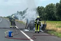 Auto in brand op de A7 bij Broek