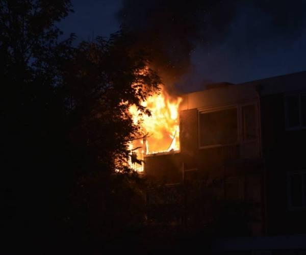 Mogelijk explosief in woning ontdekt na flatbrand Sneek