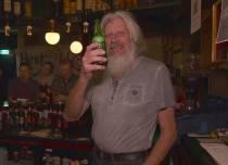Kroegbaas Jolke Nijenhuis (74) uit Terwispel overleden