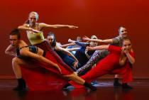 De dansers van Dance Explosion zullen toch te zien zijn in Theater Sneek